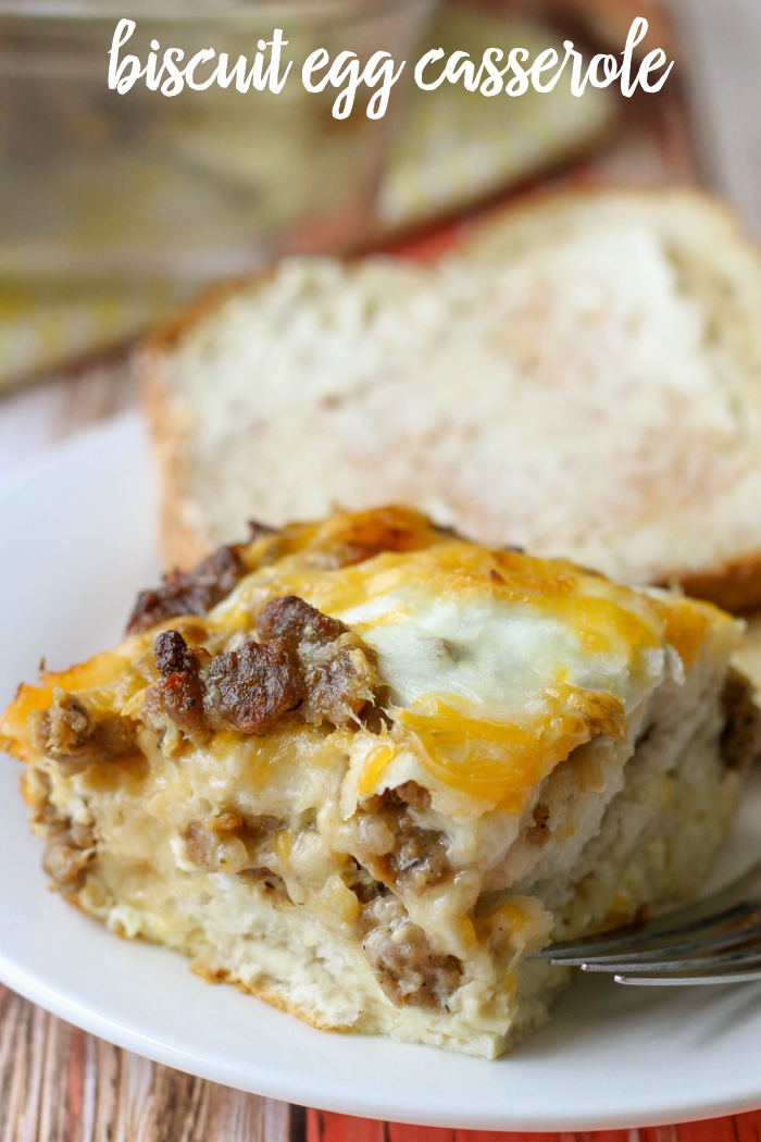 Simple and Delicious Egg Biscuit Casserole filled with Sausage, cheese and eggs. { lilluna.com }