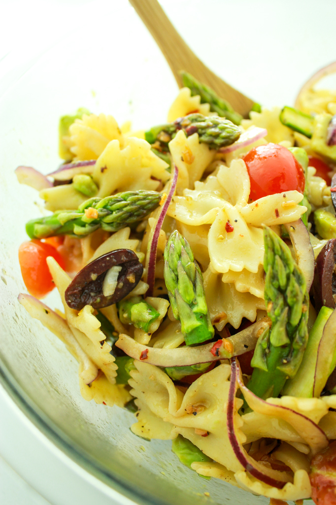 15 Minute Vegan Pasta Salad – CRAZY easy and SO good. I make this for parties, cookouts, and just to have in the fridge for quick lunches. Delicious cold or hot.