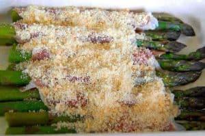 Prosciutto Wrapped Asparagus | ditchthecarbs.com