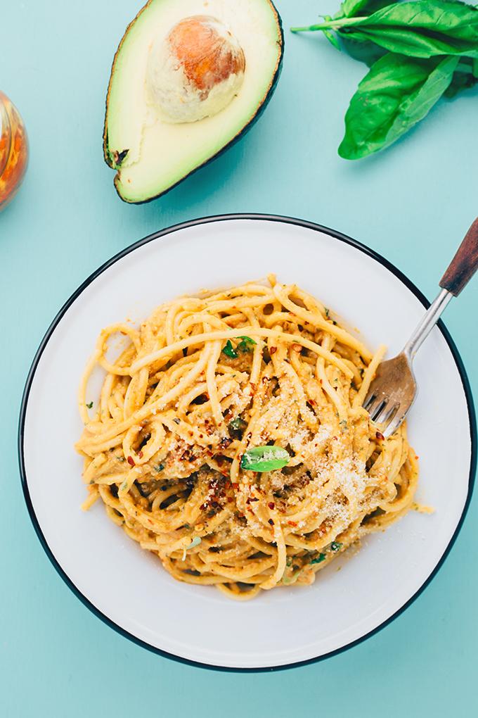Avocado and Sundried Tomato Pesto Pasta #healthy #raw #simple #vegan #recipe #basil #pesto
