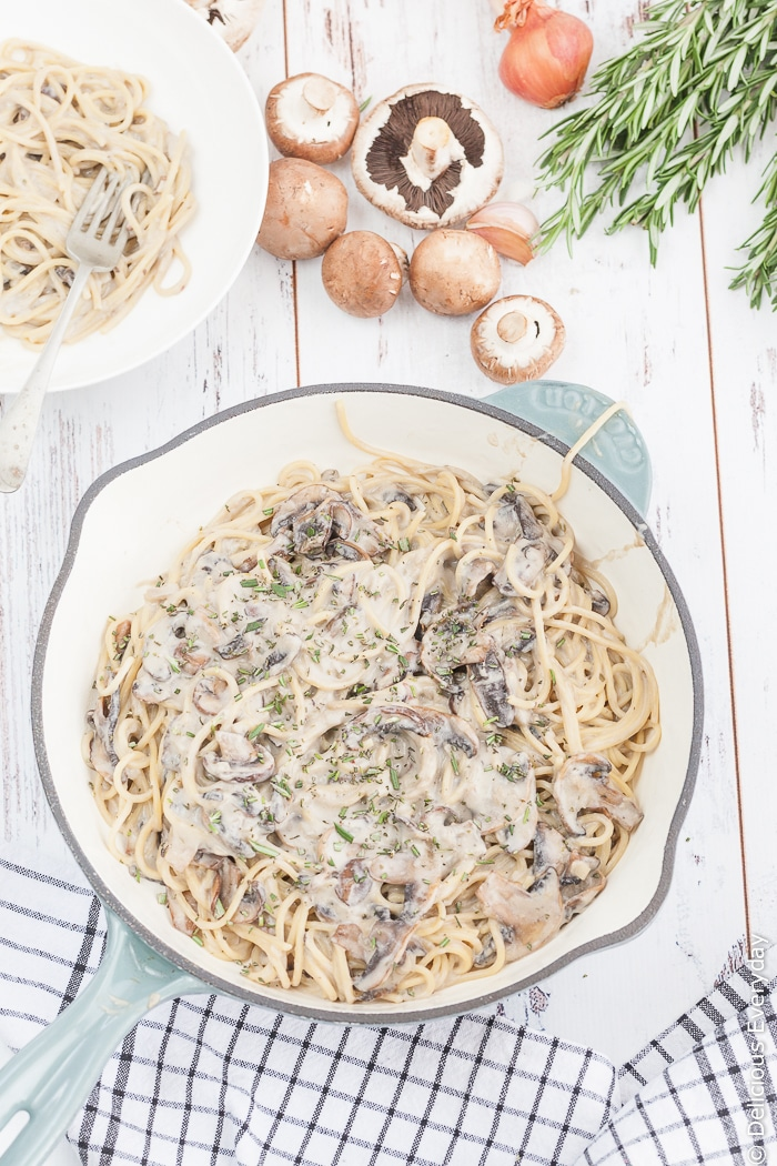 All you need is 20 minutes to make this super easy Vegan One Pot Creamy Mushroom Pasta is a handful of simple ingredients!   Click for the recipe