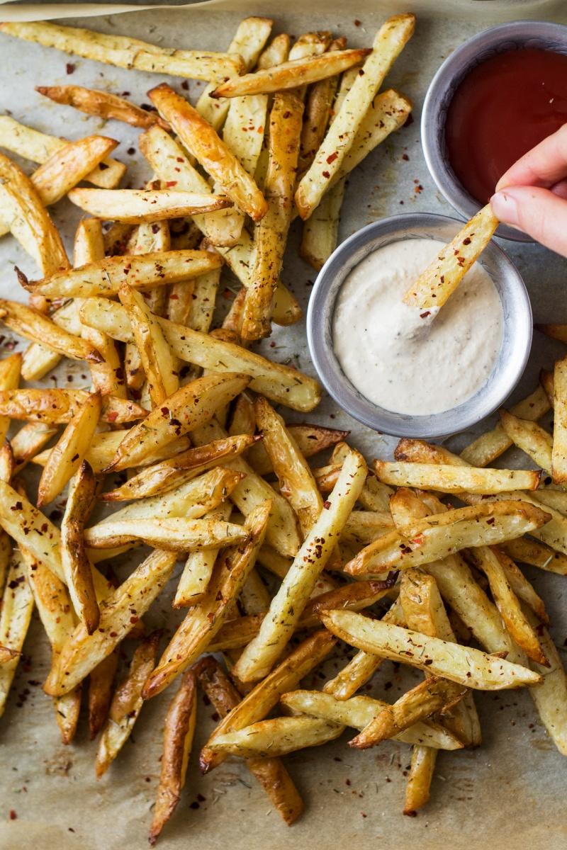 rosemary fries roasted garlic dip