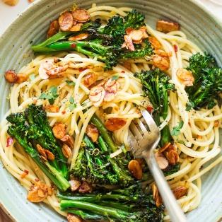 vegan broccoli pasta macro
